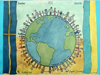 III ème prix (20 votes) Evgenia DANILOVA, 13 ans, Centre Culturel Ukrainien en Scandinavie, Växjö, Suède. «Si l'on se met tous ensemble pour la cause de la Paix, il n'y aura pas de place pour la guerre».  Commentaire de l'artiste:  J'ai essayé de dessiner des gens qui sont tous différents. Néanmoins ils sont tous unis par la volonté de vivre en paix, sans dispute ni guerre.